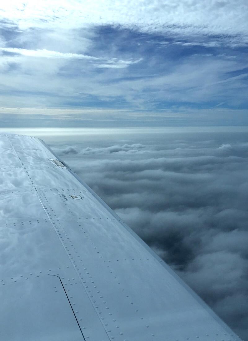 UL selbst fliegen über den Wolken
